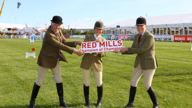 Showing Ireland Launches 2019 Connolly's RED MILLS Supreme Champion of Champions