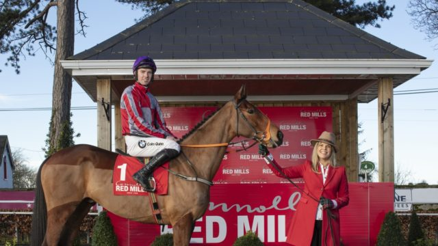 Stars Line Out for RED MILLS Day at Gowran