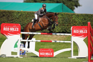 RED MILLS Rider Francis Connors